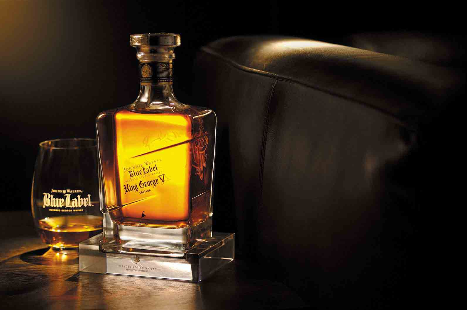 Glas und Flasche John Walker & Sons King George V Whisky