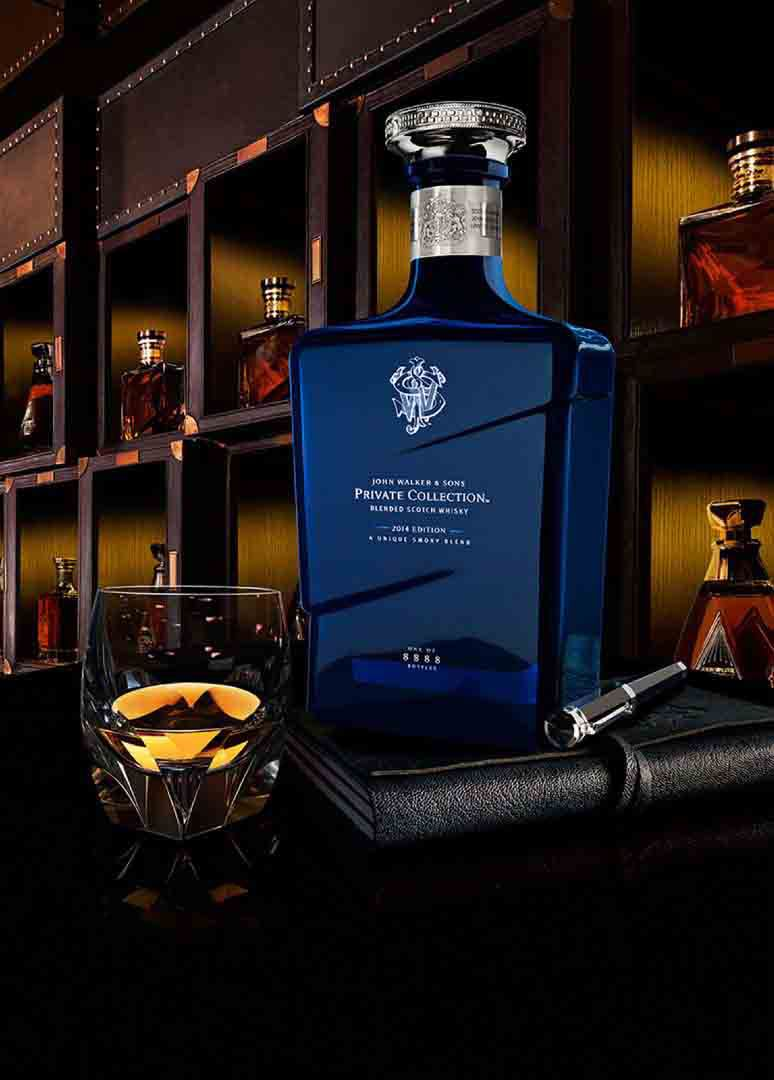 Vaso y botella de whisky John Walker & Sons Private Collection 2014 Edition