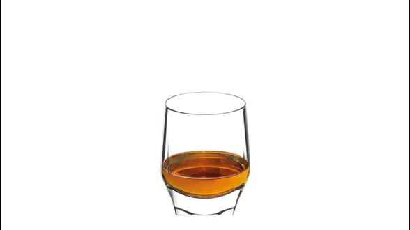Forma ideal de servir John Walker & Sons Private Collection 2015 Edition en un vaso de whisky