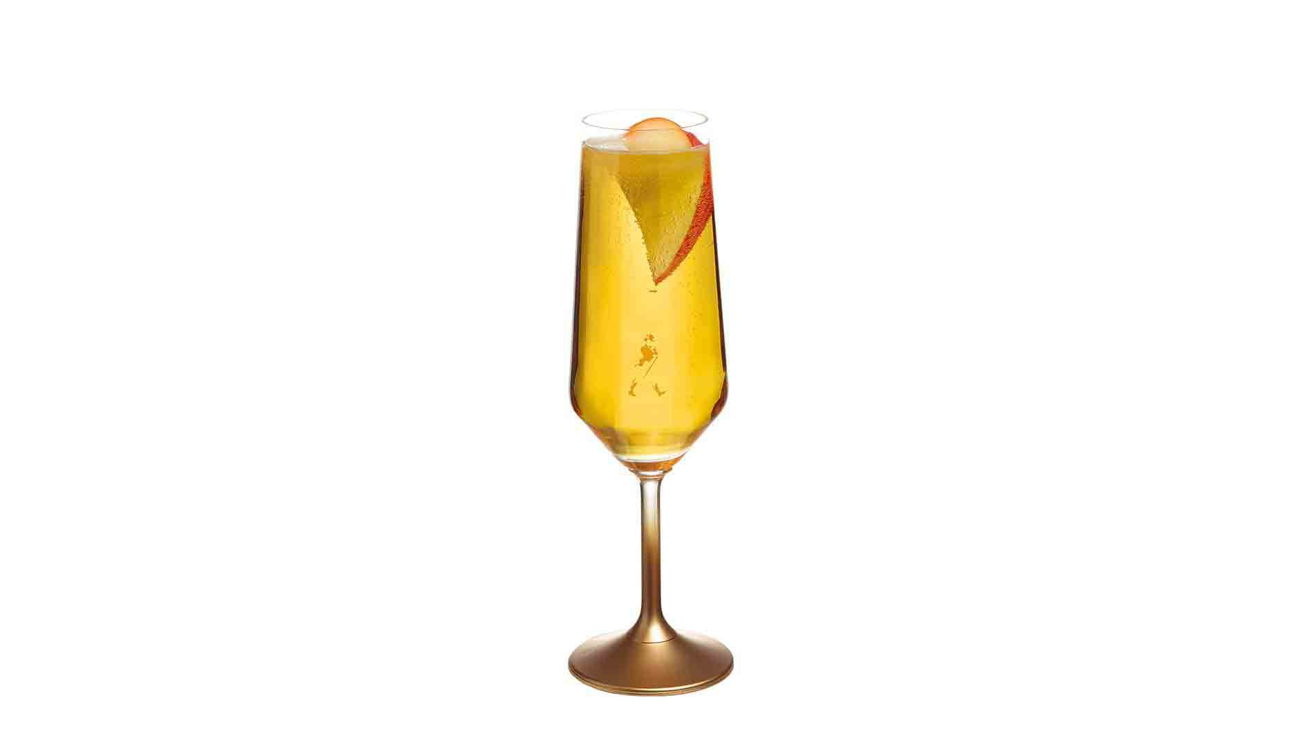 Johnnie Walker Gold Label Reserve Signature Serve en una copa de flauta