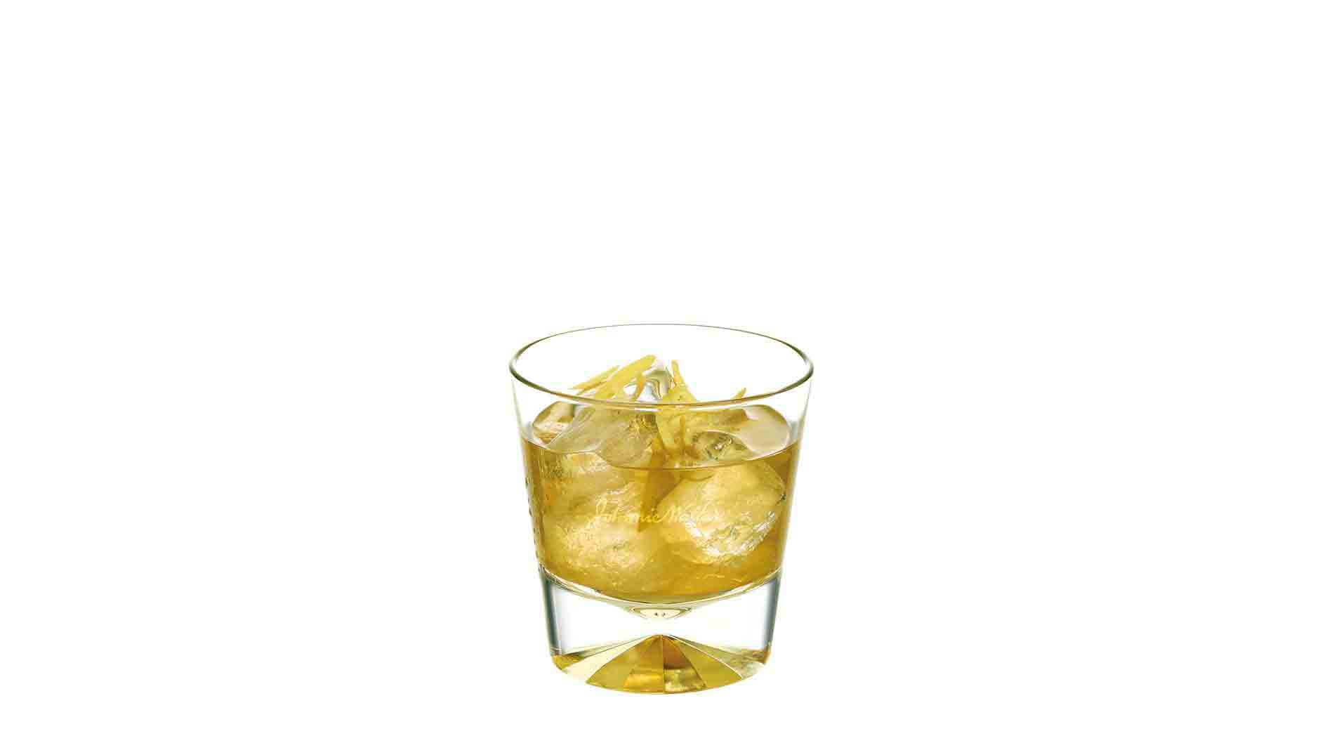 Cocktail Johnnie Walker Platinum Label Jade Dew in een tumbler