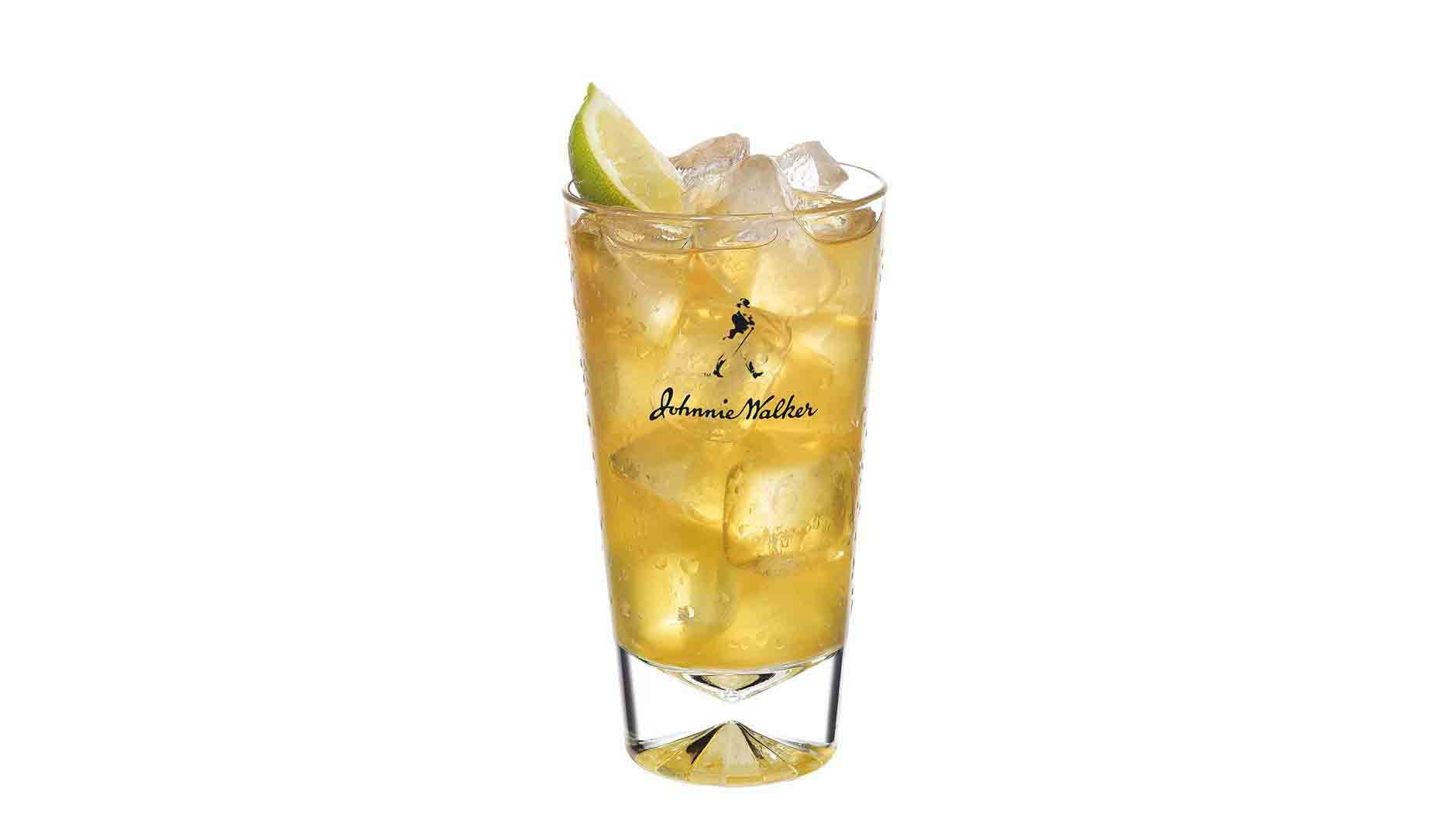 Johnnie Walker Red and Ice Green Tea cocktail in a tall