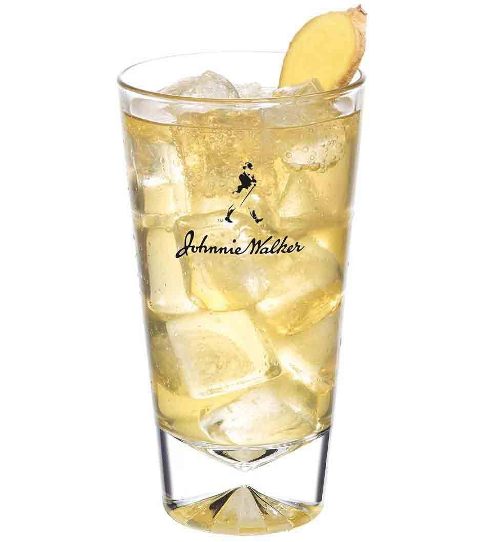 Johnnie Ginger cocktail in a tall glass
