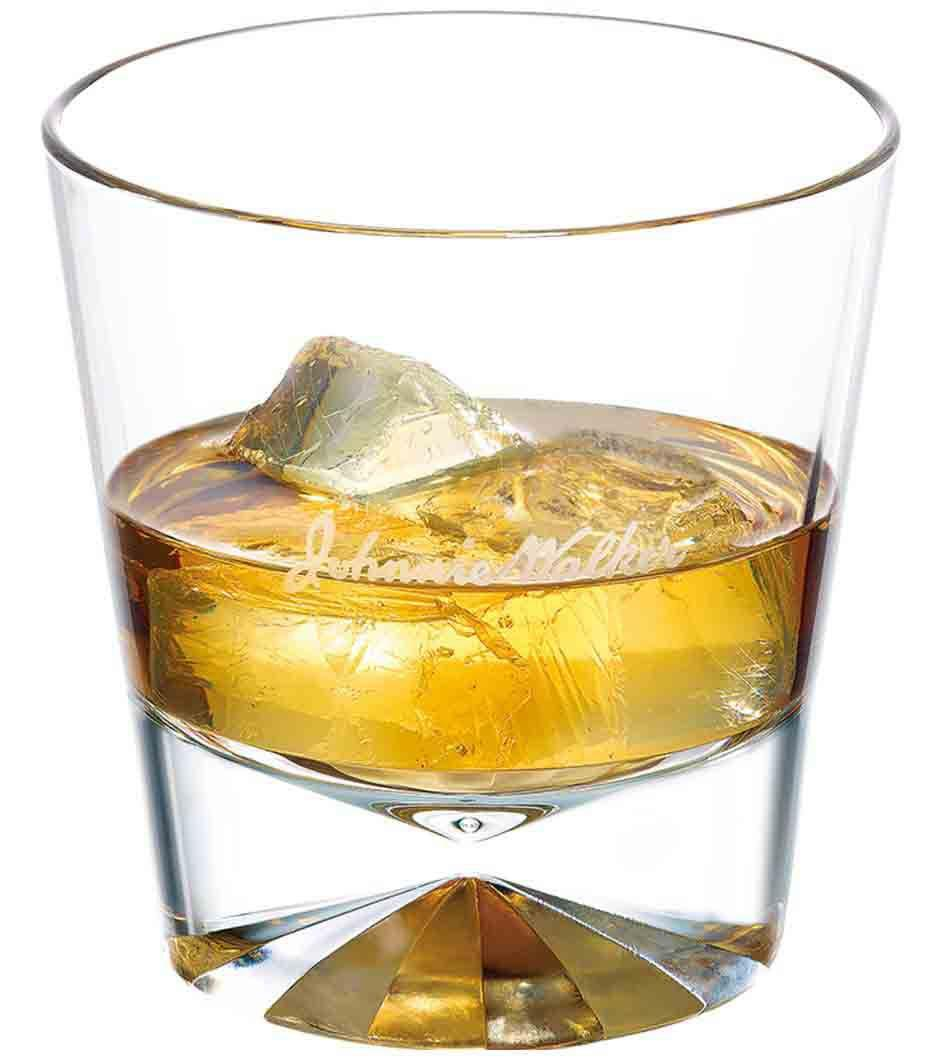 Johnnie Walker Double Black on the Rocks en un vaso de whisky