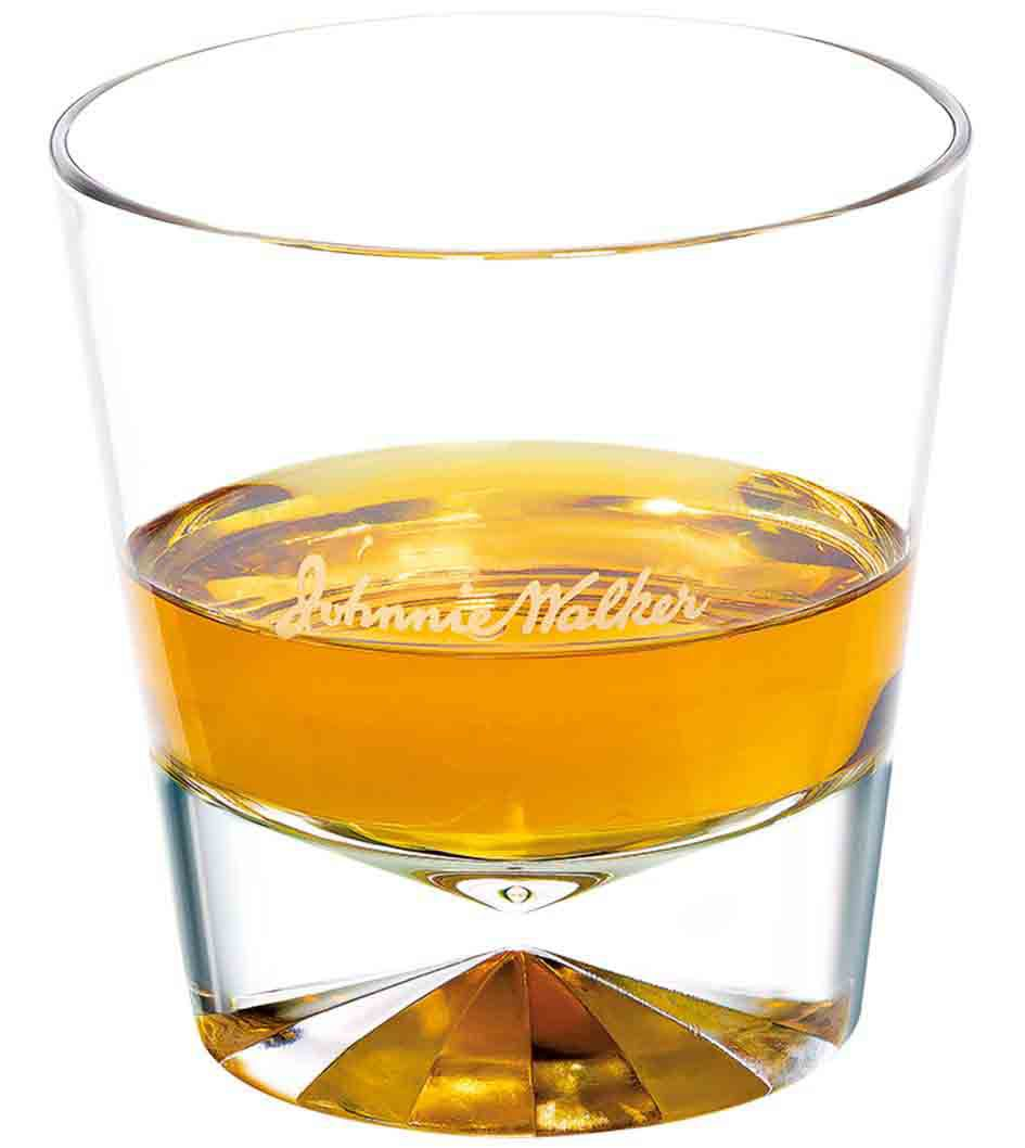 Johnnie Walker Explorers' Club Collection - The Gold Route Perfect Serve in a tumbler